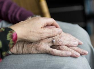 Discapacitados y ancianos, la eutanasia por Covid-19 es un hecho global