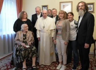 """Y en Eslovaquia el Papa rehabilita al obispo """"gay"""""""