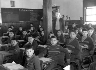Canadá y las escuelas indígenas, el chivo expiatorio de la Iglesia