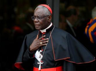 """Cardenal Sarah: """"Basta de profanaciones, no se negocia sobre la Eucaristía"""""""