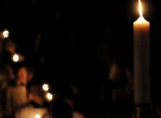 En la noche se enciende una luz