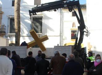 España, tierra da las cruces quebradas por odio a los cristianos