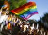 La perversión gay se extiende con la excusa de la homofobia