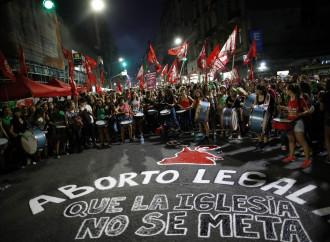 Fernández debuta con el aborto y la tibieza de la Iglesia