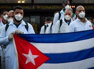 """La verdad sobre los médicos cubanos: """"Son falsos, nos han creado muchos problemas"""""""