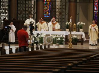 No a las Misas en streaming: lo exige el derecho de Dios