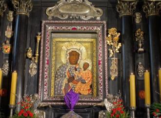 """Los informes: Así chantajeaban a los sacerdotes los Servicios Secretos """"rojos"""""""