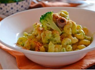 Pasta con brócoli y migas