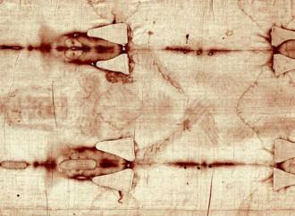 """""""Jesús, levántate"""": El estudio sobre la Sábana Santa que el propio lienzo desmiente"""
