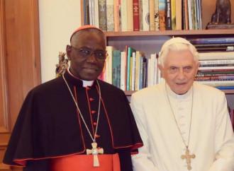 """En silencio, pero sin callar: Benedicto XVI desafía a la """"nueva Iglesia"""""""